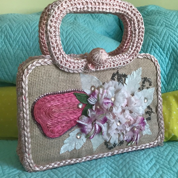 Handbags - Vintage raffia purse with sparkles